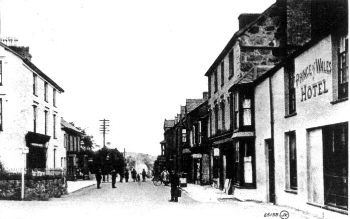 Union Row, Criccieth at the turn of the century. Greenwich House is next door to the Prince of Wales public house. � A. Hollister